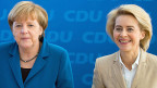 Bundeskanzlerin Angela Merkel und die neue deutsche Verteidigungsministerin Ursula von der Leyen.