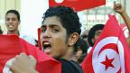 Während des ganzen Herbsts gab es immer wieder Demonstrationen, an denen die Absetzung der aktuellen tunesischen REgierung gefordert wurde. Bild: Tunis am 23. Oktober.