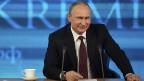 Am Rande seiner Jahresend-Medienkonferenz in Moskau kündigte Präsident Putin eine Amnestie an. Bis jetzt wurden vor Allem Prominente wie Michail Chodorkowski und die zwei Mitglieder von Pussy Riot aus der Haft entlassen.
