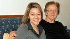 Kassia Tzatzali mit ihrer  Mutter.