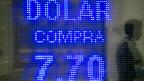 Der offizielle Dollar- Wechselkurs, am 24. Januar auf einer Strasse in Buenos Aires.