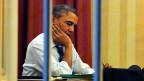 US-Präsident Obama arbeitet an seinem Pult im Oval Office im Weissen Haus in Washington D.C.