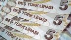 Die türkische Zentralbank hofft darauf, dass sich mit der Erhöhung des Leitzinses die Währung stabilisiert.