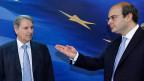 Der Leiter der EU Taskforce für Griechenland, Horst Reichenbach und der griechische Entwicklungsminister Kostis Hatzidakis.
