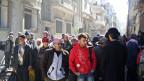 Syrien begann mit der Evakuierung von Zivilisten aus dem belagerten Gebiets von Homs. Es wurde eine dreitägige Waffenruhe vereinbart für humanitäre Hilfe.