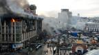 Blick auf den Unabhängigkeitsplatz Maidan in Kiew - am frühen Morgen nach eine blutigen Nacht.