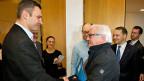 Am Vormittag trafen sich Vertreter der ukrainischen Opposition (links: Vitali Klitschko) mit EU-Aussenministern. Im Bild: Deutschlands Aussenministern Frank Walter Steinmeier, rechts daneben sein polnischer Amtskollege Radoslaw Sikorski.