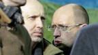 Am Mittwochabend auf dem Unabhängigkeitsplatz in Kiew: Präsident Alexander Turtschinow und der neue Übergangspremier Arseni Jazenjuk.