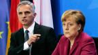 Bundeskanzlerin Angela Merkel und Bundespräsident Didier Burkhalter am 18. Februar 2014. Es war das erste Treffen der beiden Politiker, nachdem die Schweizer BürgerInnen die Initiative «Gegen Masseneinwanderung» angenommen hatten.