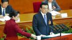 Chinas Premier Li Keqiang während seiner Eröffnungsrede im Volkskongress. Sein Spitzname: «Gouverneur der drei Feuer».
