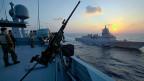 Ein dänisches und ein norwegisches Schiff - im Januar 2014 in Warteposition vor der syrischen Küste - um mehr als 1000 Tonnen chemische Kampfstoffe zu laden.