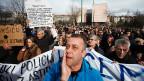 In Sarajewo protestierten am 10. Februar tausende gegen Korruption und gegen die hohe Arbeitslosigkeit, gegen die die Regierung nichts unternimmt.