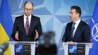 Der ukrainische Übergangspremier Arseni Jazenjuk und Nato-Generalsekretär Anders Fogh Rasmussen an einer Medienkonferenz in Brüssel.
