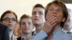 CVP-Frau Karin Kayser wartet in Nidwalden auf das Wahlresultat