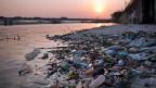 Abfall in der Guanabara-Bucht in Rio de Janeiro.