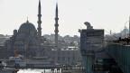 Mit der Bürgermeisterwahl in Istanbul wird auch über die Zukunft von Premier Erdogan und seiner AKP entschieden.
