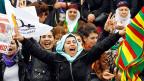 UnterstützerInnen der kurdischen BDP feiern.