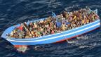 Ein Flüchtlingsboot im Mittelmeer vor den Küsten Süditaliens. Das eigentliche Ziel der Flüchtlinge ist nicht Südeuropa, sondern der wohlhabendere Norden.