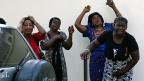 Trauer und Verzweiflung nach dem Bombenanschlag in der nigerianischen Hauptstadt Abuja.