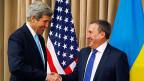 US-Aussenminister John Kerry und der Aussenminister der ukrainischen Übergangsregierung Andrij Deschtschyzja am Donnerstag Vormittag in Genf.