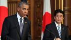 US-Präsident Barack Obama (links) mit dem japanischen Ministerpräsidenten Shinzo Abe an der Akasaka Gästehaus in Tokio, Japan, 24. April 2014.