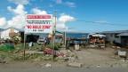Hier stand Estrellas Haus – bis Taifun Haiyan es wegfegte. Jetzt ist «no built zone», keine Bauzone. Trotz Verbot entstehen zwischen Trümmern neue Holzverschläge und Wellblechhütten.