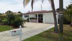 Die Clusters haben haben ihr Haus in Palm Beach, Florida,  vor einigen Jahren gekauft – und dann, weil sie die Hypothek nicht mehr bezahlen konnten, zur Hälfte des ursprünglichen Kaufpreises wieder verkauft. Inzwischen leben sie im gleichen Haus zur Miete.