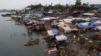 Blick auf Notunterkünfte für Überlebende des Taifuns Haiyan am 14. Februar 2014. Der Taifun vom November 2013 forderte mehr als 6'200 Tote und Zehntausende Obdachlose.