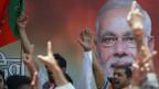 Unterstützer der BJP feiern den Sieg ihrer Partei - und des zukünftigen Premiers Narendra Modi.