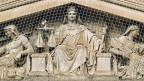 Justitia hinter «Gittern» - Gerichtsgebäude in Marseille.