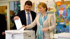 Der ungarische Präsident mit Gattin bei der Stimmabgabe