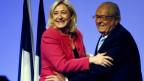 Damals hing der Haussegen noch nicht schief. Marine und Jean-Marie Le Pen.
