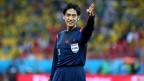 Der japanische Schiedsrichter Yuichi Nishimura sah den Zweikampf nicht richtig und pfiff fälschlicherweise einen Penalty.