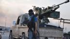 «Den Extremisten sollte der Atem ausgehen, sobald sie auf richtigen Widerstand stossen», sagt Nahost-Experte Walter Posch. Bild:  Ein Isis-Kämpfer in der nordirakischen Stadt Mossul.