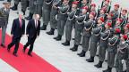 Bundespräsident Heinz Fischer (links) empfängt am 24. Juni 2014 Russlands Präsident Wladimir Putin mit militärischen Ehren in Wien.