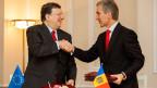 Präsident der Europäischen Kommission, Jose Manuel Barroso, (links) und der moldauische Premierminister Iurie Leanca nach der Unterzeichnung der bilateralen Verträge in der Staats Residenz in Chisinau, Moldawien, am 12. Juni 2014.