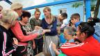 Flüchtlinge aus dem Osten der Ukraine erhalten humanitäre Hilfe in Rostow am Don in Südrussland.
