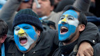 Fussballfans in Buenos Aires - nach dem Tor der argentinischen National-Elf in der 118. Minute.