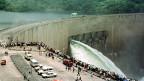 Mega-Staudämme zerstören den Lebensraum von tausenden von Menschen und verdrängen die Tier- und Pflanzenwelt. Bild: Kariba-Damm in Moçambique.