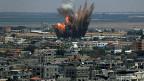 Israelischer Luftangriff auf die Stadt Rafah im Gazastreifen.
