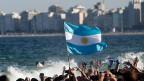 Auf die argentinischen Fans in Rio de Janeiro freuen sich die Brasilianer - traditionell - nicht besonders.
