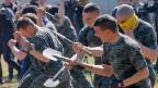 Soldaten der ukrainischen Nationalgarde während eines Trainings in der Nähe von Kiew.