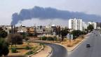 Ein Treibstofflager in der Nähe des Flughafens Tripolis ist in Brand geraten