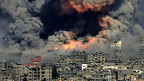 Israel hat den Gazastreifen rigoros abgeriegelt, zum Gefängnis gemacht. Der israelische Historiker Tom Segev sagt: «Die palästinensische Bevölkerung hat nichts mehr zu verlieren».