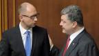 Der ukrainische Premier Arsenj Jazenjuk und Präsident Petro Poroschenko am 31. Juli im ukrainischen Parlament.