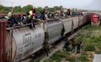 illegalie Bahnpassagiere aus Zentralamerika auf dem Weg Richtung Norden
