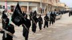 Kämpfer der Terrormiliz «Islamischer Staat IS» in Raqqa, Syrien.