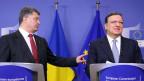 Poroschenko tippt Barroso an.
