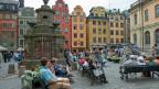 Auch in der Stockholmer Altstadt verstehen viele Leute, dass sich Schweden von der Neutralität verabschieden will.