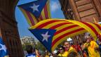 In Barcelona feiern die Katalanen ihren Unabhängigkeitstag – und demonstrieren dafür, dass am 9. November über das Referendum zur Unabhängigkeit Kataloniens von Spanien abgestimmt werden kann.